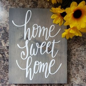 Minimalistic Home Sweet Home Sign
